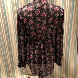 Express Tops - Floral Express Blouse